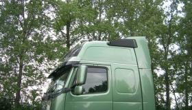 Volvo FH16 orurowanie dachowe widok
