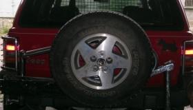 Jeep Grand Cherokee zamocowanie koła zapasowego