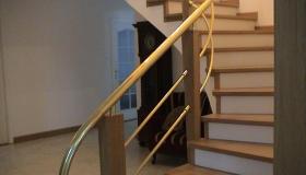balustrada słupki drewniane