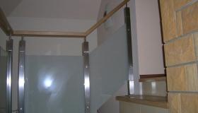 balustrada z wypełnieniem szklanym