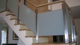balustrada bez widocznych zamocowań szkła