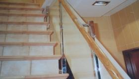 balustrada ze szkłem bezpiecznym