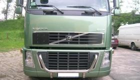 Volvo FH16 - orurowanie przednie